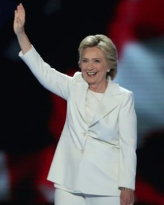 hillary-clinton-white-suit.w529.h352
