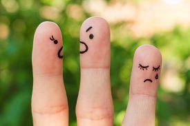 finger_art_of_family_during_quarrel_the_concept_of_cg9p7987721c_th